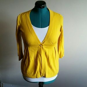 Good condition mustard colored cardigan size m